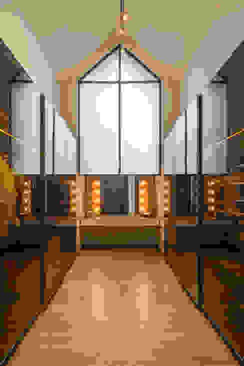 Budisari Residence Ruang Ganti Tropis Oleh ARCHID Tropis