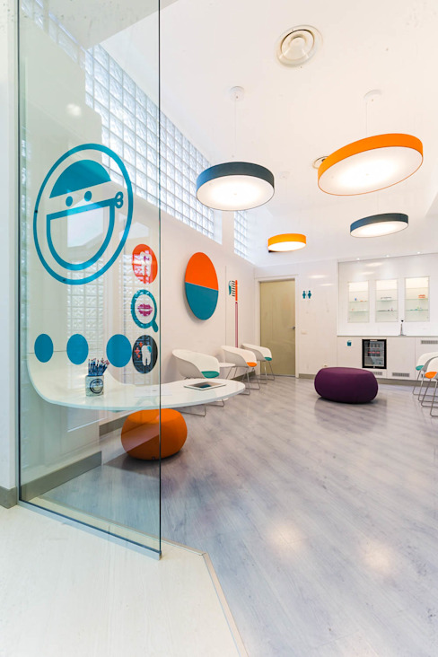 ingresso Spazi commerciali moderni di ADIdesign* studio Moderno