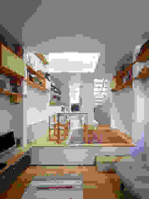神戸の小さな家 / Tiny House in Kobe モダンデザインの ダイニング の 藤原・室 建築設計事務所 モダン