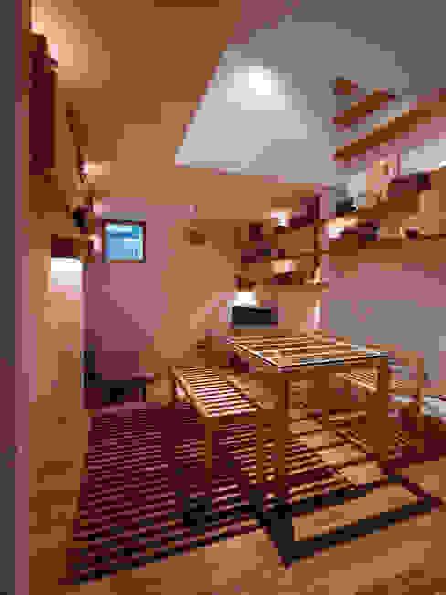 小さな空間とはの家 / Tiny House in Kobe 藤原・室 建築設計事務所 モダンデザインの ダイニング