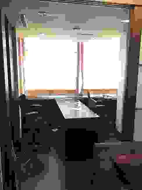 原屋況 Minimalist study/office by E&C創意設計有限公司 Minimalist