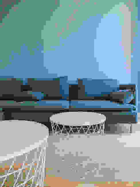 Appartamento al mare_Liguria Soggiorno minimalista di Arch. Pierangela Crosti Minimalista
