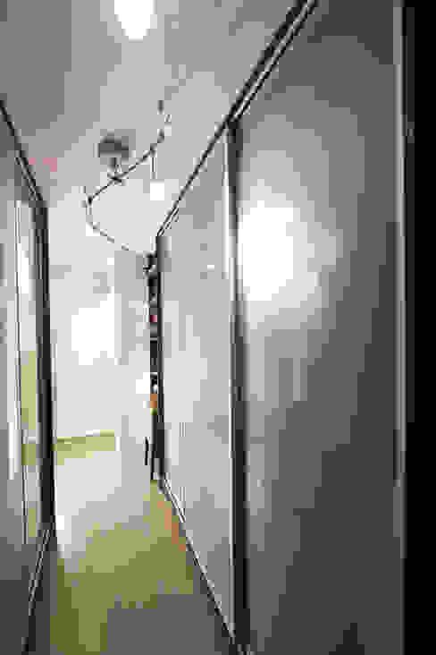 更衣室 根據 Hi+Design/Interior.Architecture. 寰邑空間設計 隨意取材風