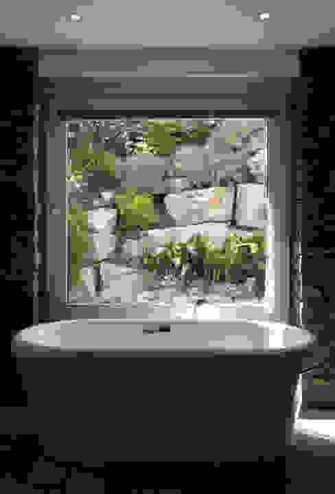 Classic style bathroom by Vivero Antoniucci S.A. Classic