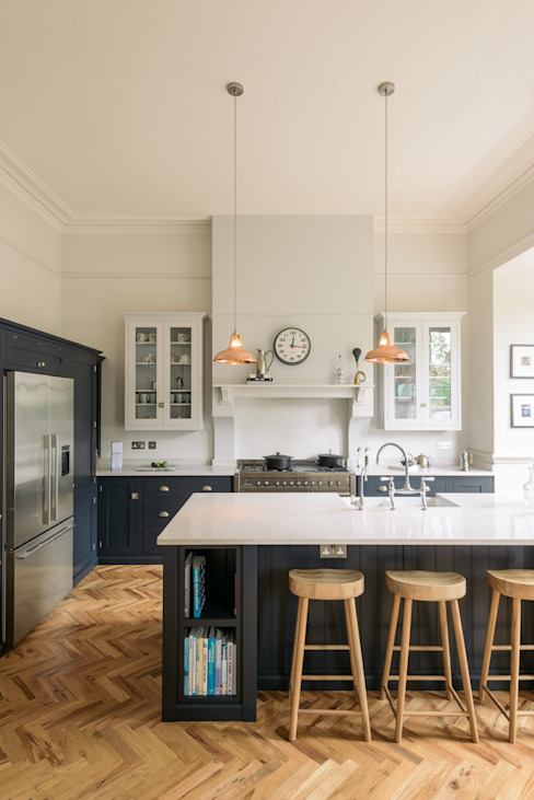 The Crystal Palace Kitchen by deVOL by deVOL Kitchens Classic