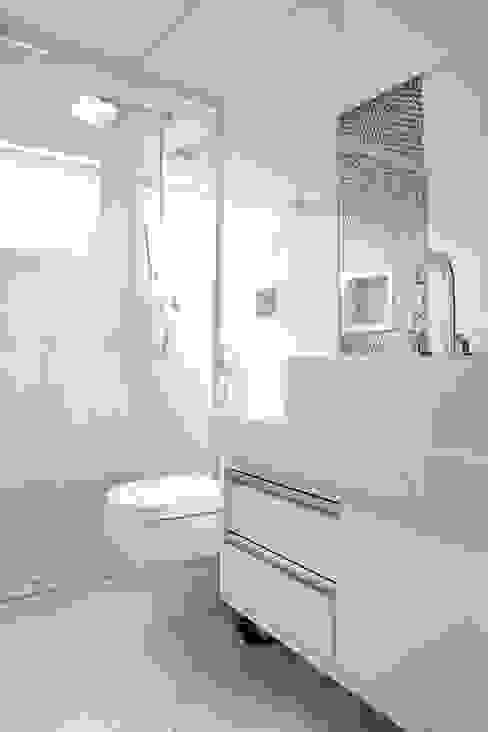 Banheiro: Banheiros  por MONICA SPADA DURANTE ARQUITETURA,Moderno