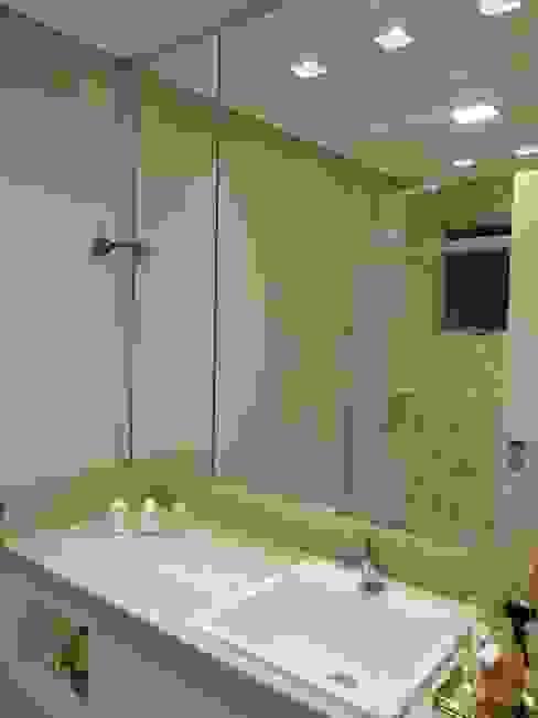 Ausgefallene Badezimmer von Arching - Arquitetos Associados Ausgefallen