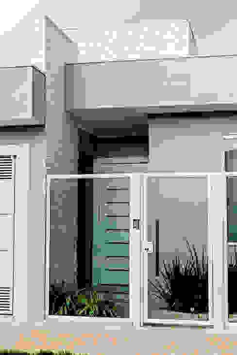 Casas modernas: Ideas, diseños y decoración de Carla Monteiro Arquitetura e Interiores Moderno