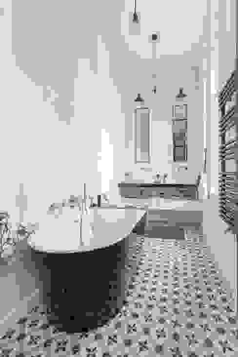 Ванная комната в стиле минимализм от Brengues Le Pavec architectes Минимализм