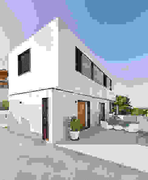 par Casas inHAUS Moderne
