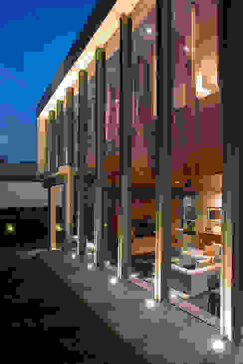 Modern houses by Serrano Monjaraz Arquitectos Modern