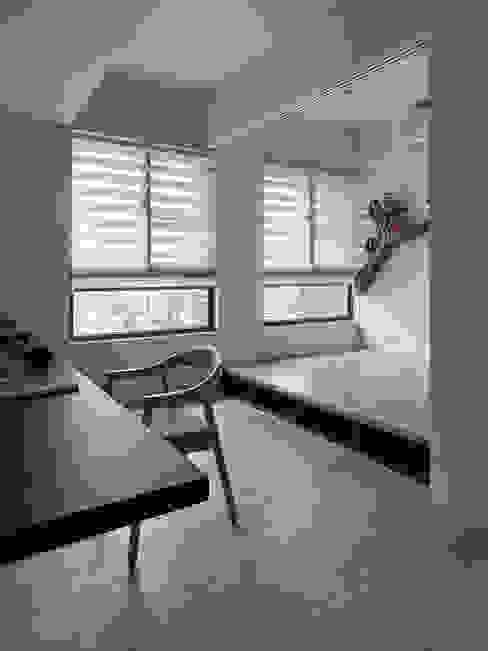 書房間客房 Modern Bedroom by 禾光室內裝修設計 ─ Her Guang Design Modern