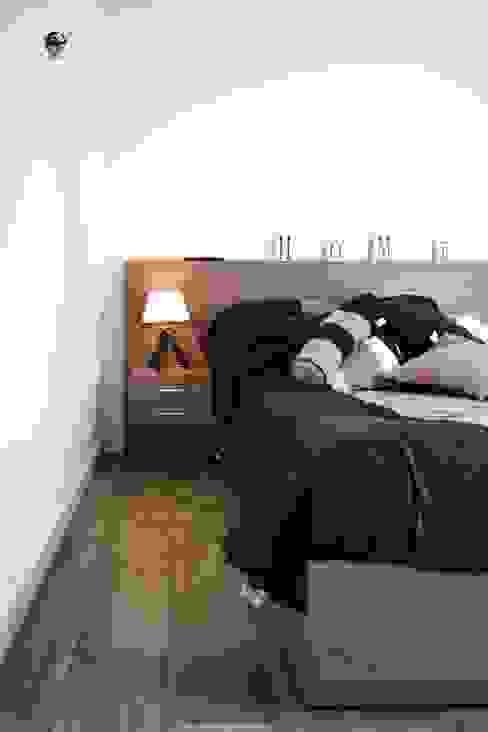 Dormitorios de estilo moderno de estudio M Moderno