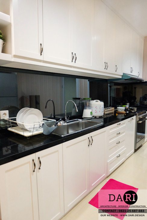 main kitchen :  Kitchen by DARI