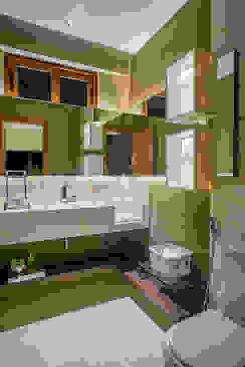 Badezimmer von Danielle Valente Arquitetura e Interiores, Modern