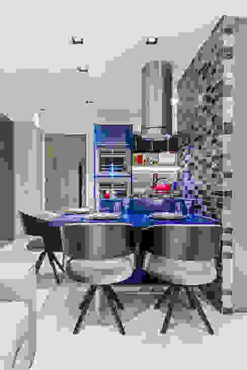 Jantar | Ilha Gourmet | Cozinha Arquitetura Sônia Beltrão & associados Salas de jantar modernas Madeira Preto