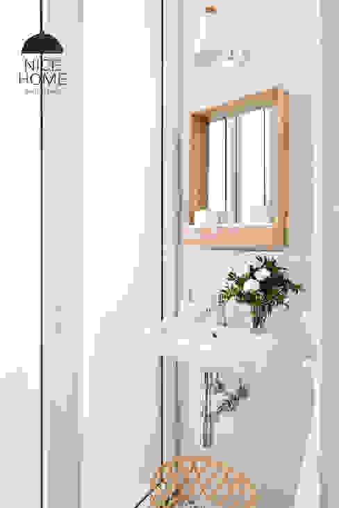 Bathroom by Nice home barcelona