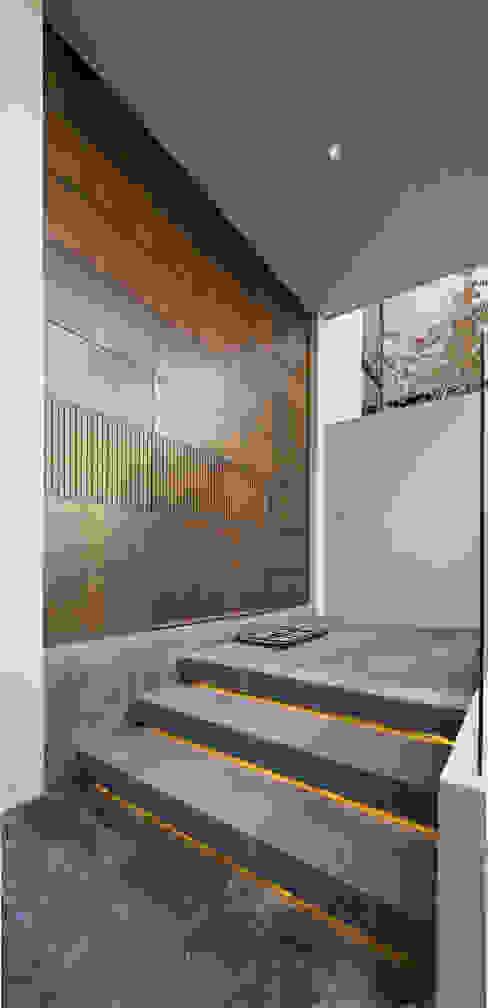Modern style doors by Rousseau Arquitectos Modern Wood Wood effect