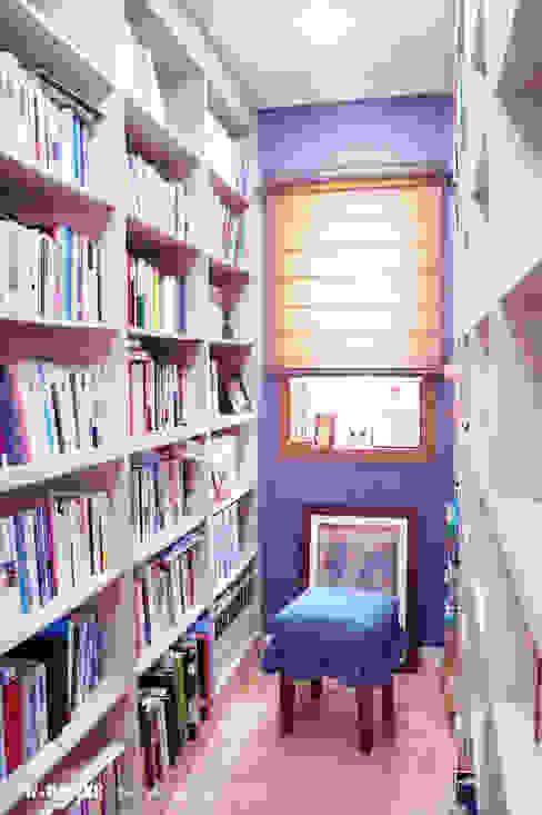Estudios y biblioteca de estilo  por W-HOUSE,