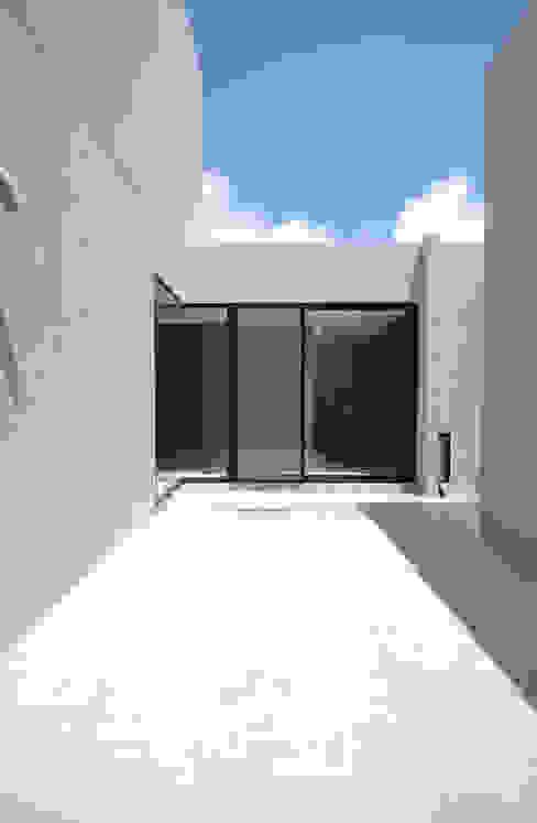 SNGK-HOUSE の 門一級建築士事務所 モダン
