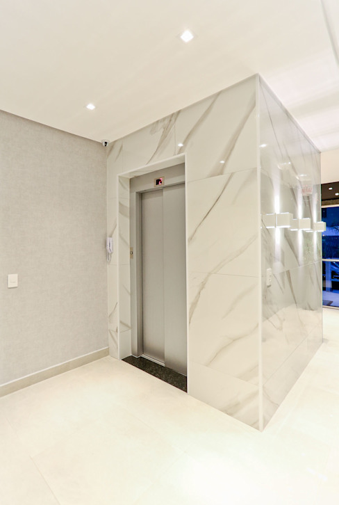 Elevador: Corredores e halls de entrada  por Studio Diego Duracenski Interiores,Moderno