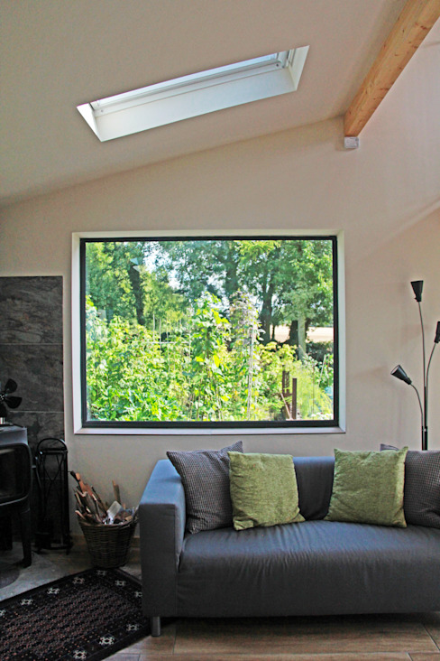 Extension with picture window JMAD Architecture (previously known as Jenny McIntee Architectural Design) Wiejski ogród