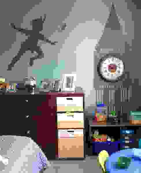 Decoración para cuarto de niños: Recámaras para niños de estilo  por MIRIAM ESCOBEDO INTERIORISTA, Moderno
