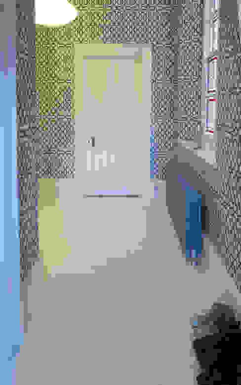 Hallway S. T. Unicom Pvt. Ltd. Walls & flooringWallpaper