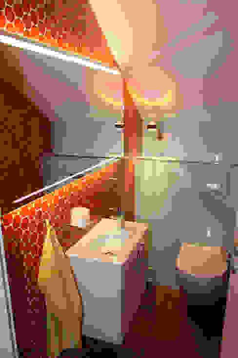 Bäderwerk Bad + Design Cutner GmbH Salle de bain originale Rouge
