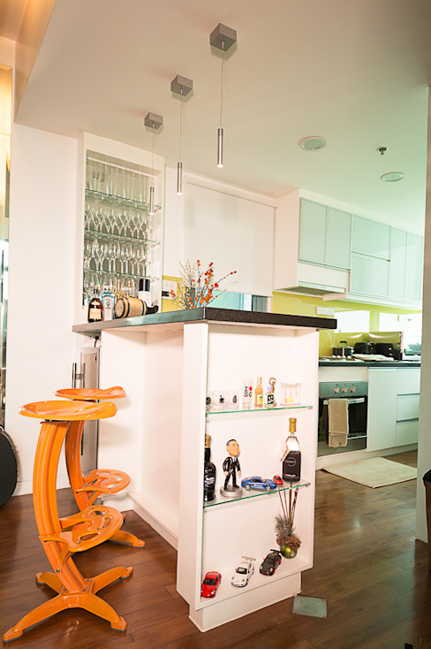 8 Forbes Town Road Golf View Residences:  Kitchen by TG Designing Corner