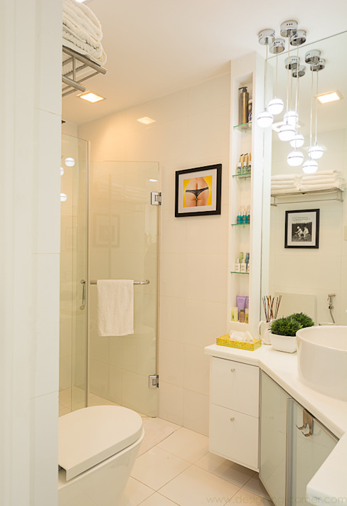8 Forbes Town Road Golf View Residences Modern bathroom by TG Designing Corner Modern