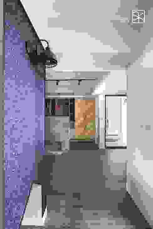 刷漆與壁紙: 不拘一格  by 禾廊室內設計, 隨意取材風