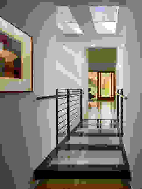 Seidenberg House Modern Corridor, Hallway and Staircase by Metcalfe Architecture & Design Modern