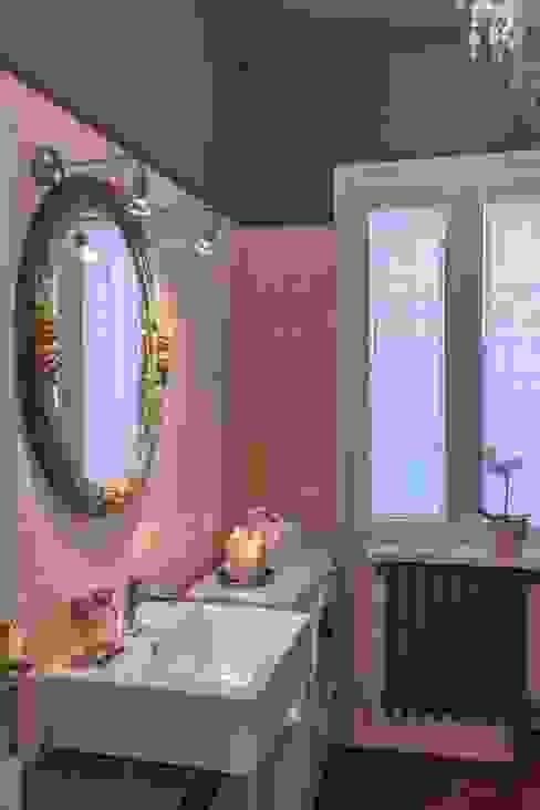 Casas de banho modernas por Anna Leone Architetto Home Stager Moderno