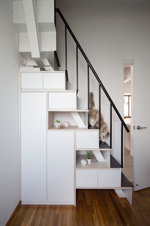 THE BALE Scandinavian style corridor, hallway& stairs by Eightytwo Pte Ltd Scandinavian