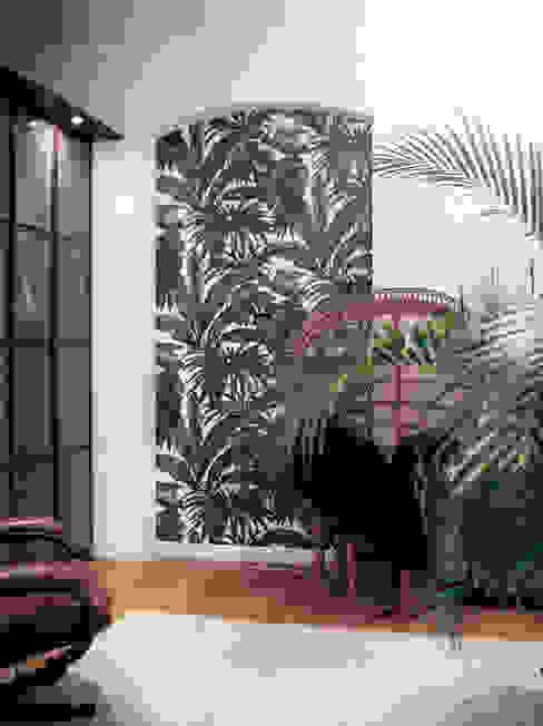 Tropic Bedroom:  Schlafzimmer von MM STUDIO - INTERIORS BERLIN,Tropisch Bambus Grün