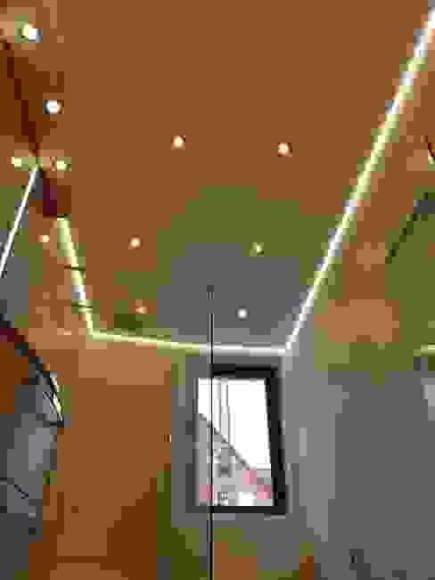 Lichtambiente zum wohlfühlen im Duschbad Gebr. Hupfeld GmbH Moderne Badezimmer Fliesen Weiß