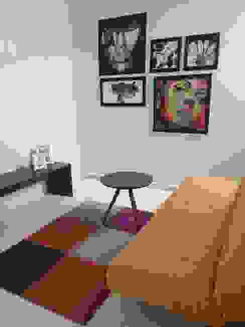 Salas de entretenimiento de estilo moderno de homify Moderno