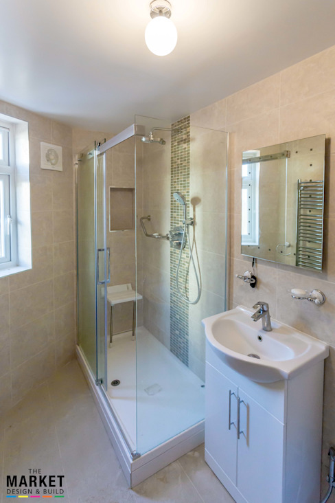 THE HAYES REFURBISHMENT Modern bathroom by The Market Design & Build Modern