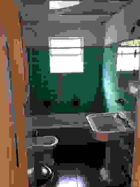 ANTES BAÑO: Baños de estilo  por Estudio Nicolas Pierry