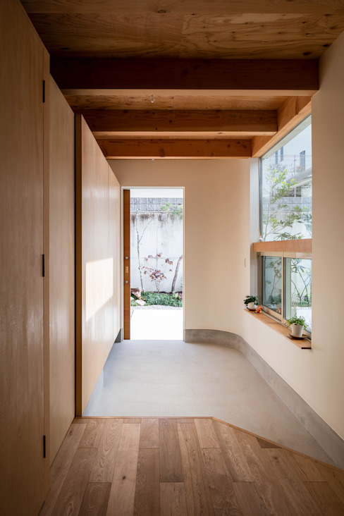 melt 建築設計事務所SAI工房 モダンスタイルの 玄関&廊下&階段 木 木目調