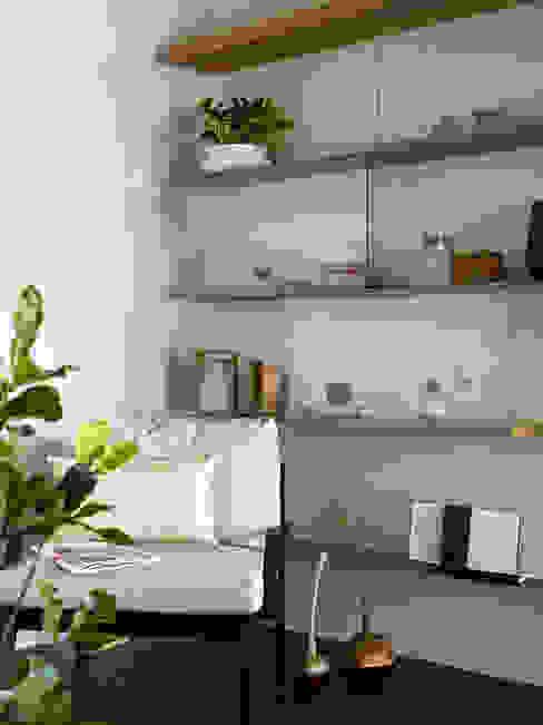 休憩區:  書房/辦公室 by 樸十設計有限公司 SIMPURE Design, 現代風