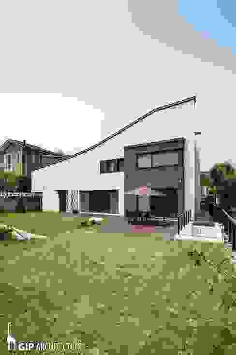 現代房屋設計點子、靈感 & 圖片 根據 GIP 現代風