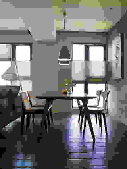餐廳:  餐廳 by 樸十設計有限公司 SIMPURE Design, 現代風