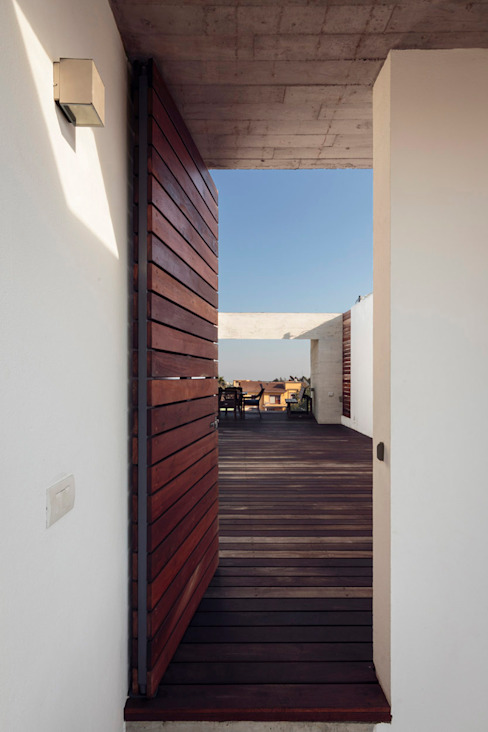 Modern Corridor, Hallway and Staircase by BCA Taller de Diseño Modern