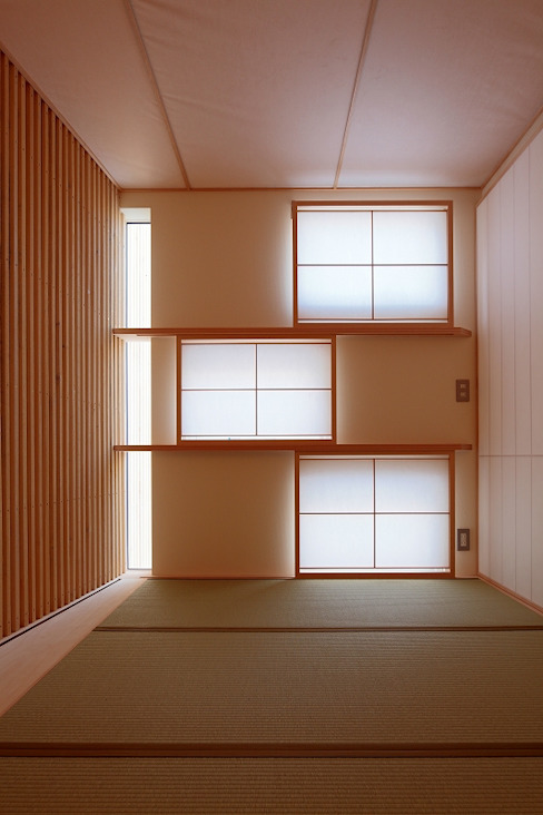 BLACK BOX モダンデザインの 多目的室 の 株式会社 ATELIER O2 モダン