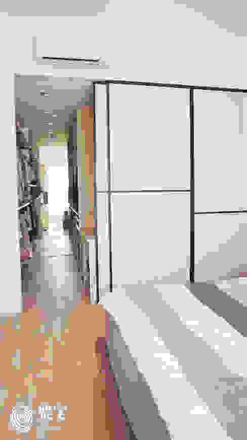 . 樂宅設計|系統傢俱 Eclectic style dressing room