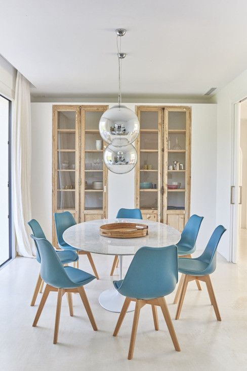 Dining room by Madariaga & Brujó, Mediterranean