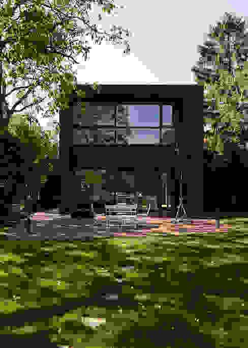 ミニマルな 家 の Architekt Zoran Bodrozic ミニマル コンクリート