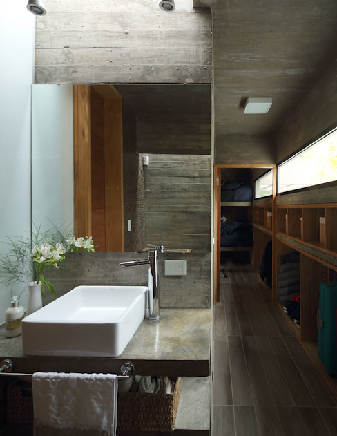Besonías Almeida arquitectos ห้องน้ำ คอนกรีต